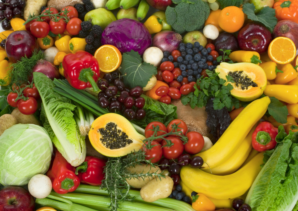 http://www.dreamstime.com/royalty-free-stock-photography-vegetables-fruits-image4252547